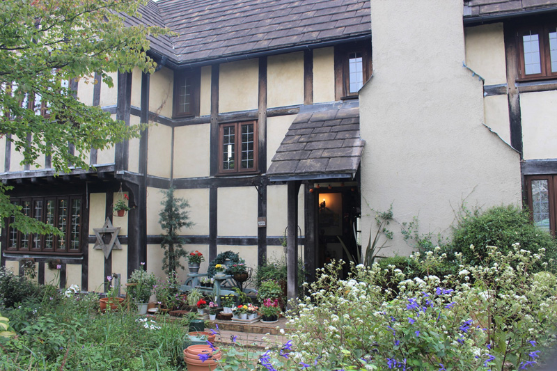 「Clare Home & Garden」